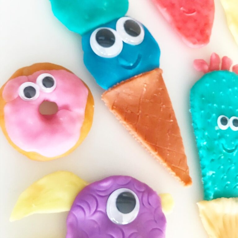 cute playdough characters with googley eyes